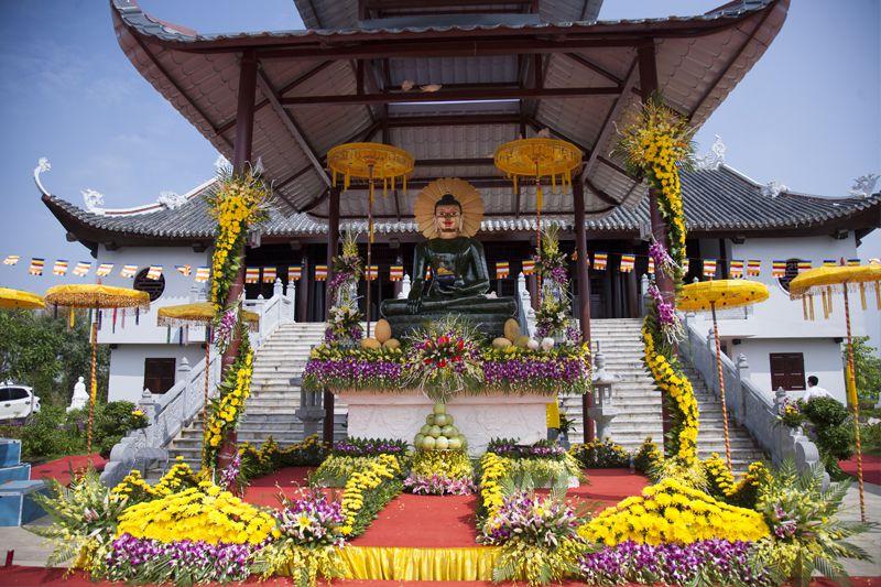 Đại lễ cung nghinh Phật Ngọc Hòa Bình Thế giới